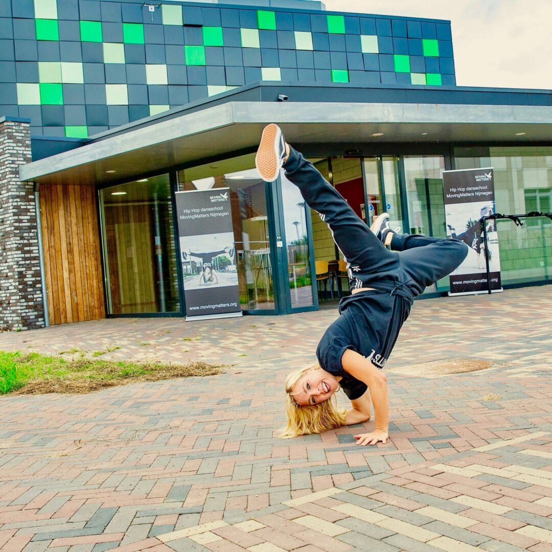 Dansschool MovingMatters Nijmegen Noord Grote Boel Hip Hop dansles contact basisschool de uitdaging Kion Thea beckmanpad 5 Dick brunastraat 1 Hip Hop breakdance volwassenen dans